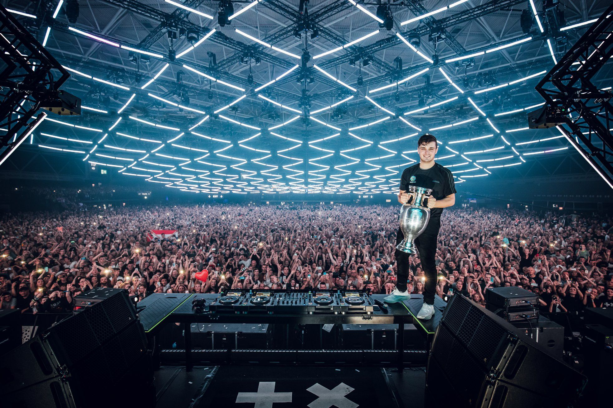 Martin Garrix attended this past Saturday to the ceremony