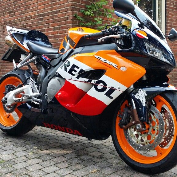 Repsol Honda 1000rr Fireblade ♡♡♡♡ :-) owned by moi!