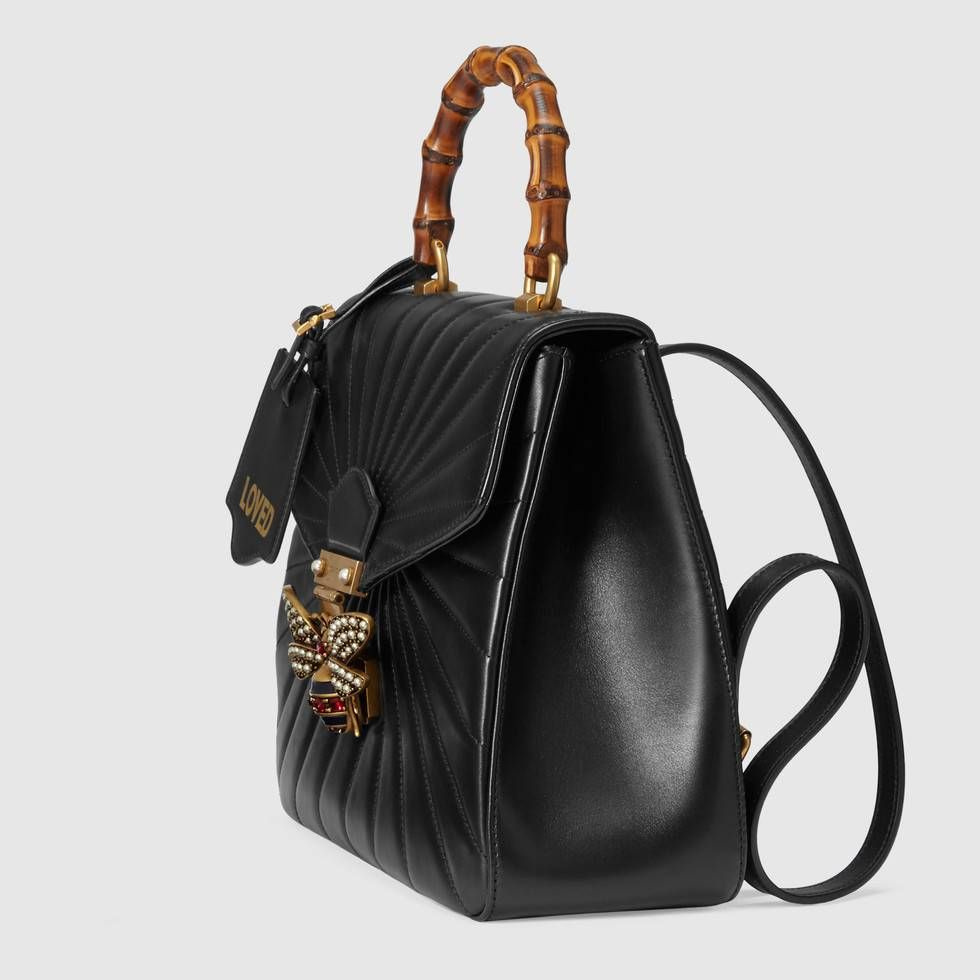 e4a99e1c3710a Compra ahora Mochila Queen Margaret de Piel Acolchada de Gucci. La línea  Queen Margaret mezcla los detalles emblemáticos de Gucci con los códigos de  nuevo ...