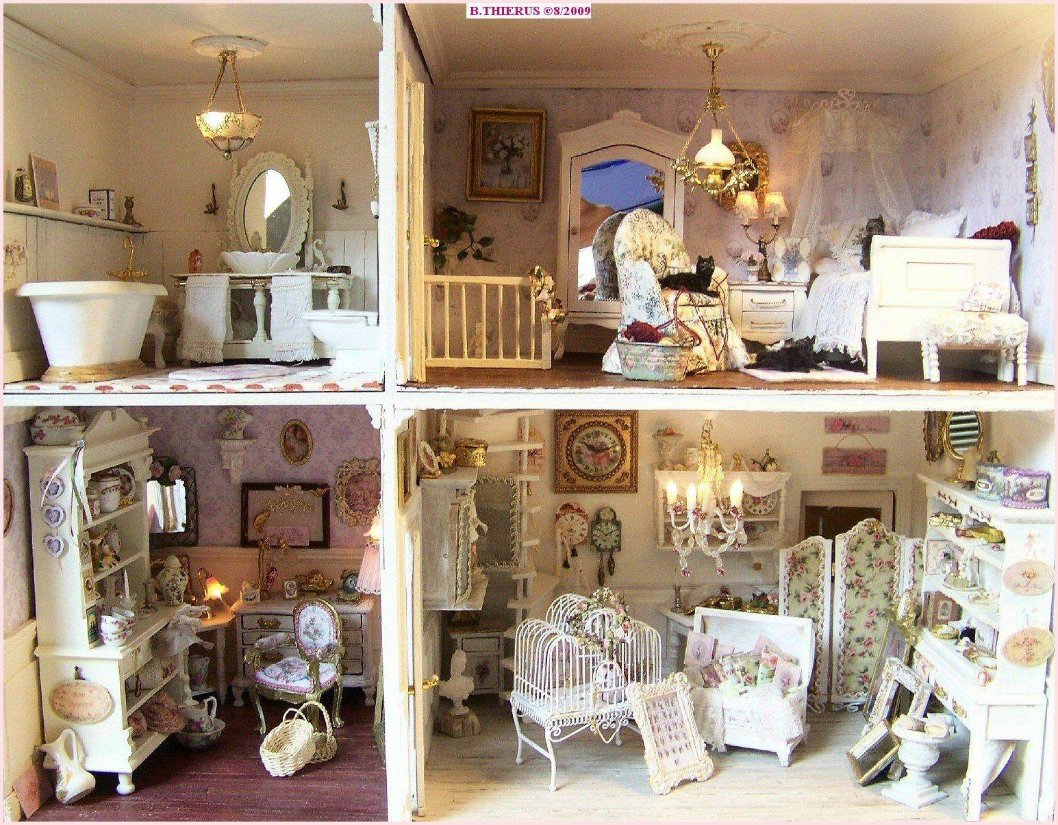 cette maison de poup e est de style romantique le shabby est minutieusement travaill dans le. Black Bedroom Furniture Sets. Home Design Ideas