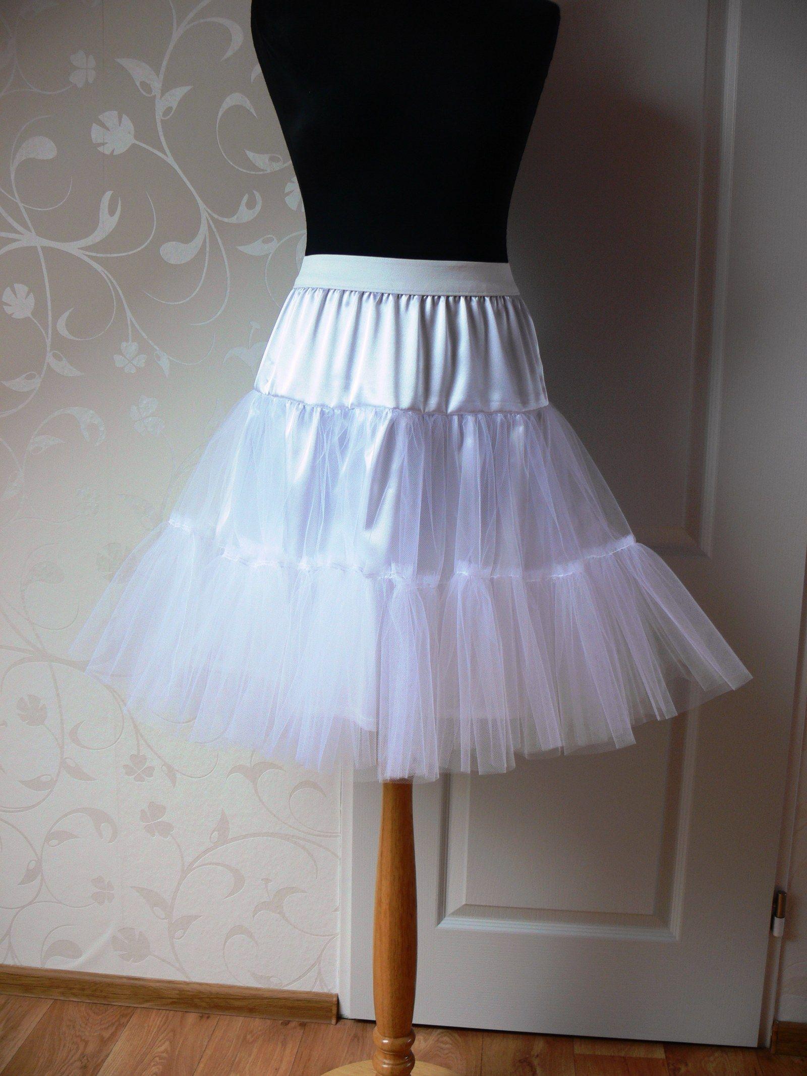 Tylová+spodnička+pod+půlkruhovou+sukni+Spodnička+je+vhodná+pod+sukni ... 8b6867089e