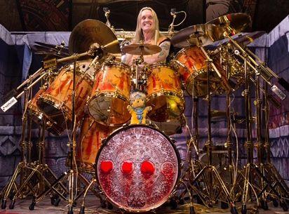 drums&percussion: Klotzen statt kleckern: Nickos neues Maiden-Tourkit