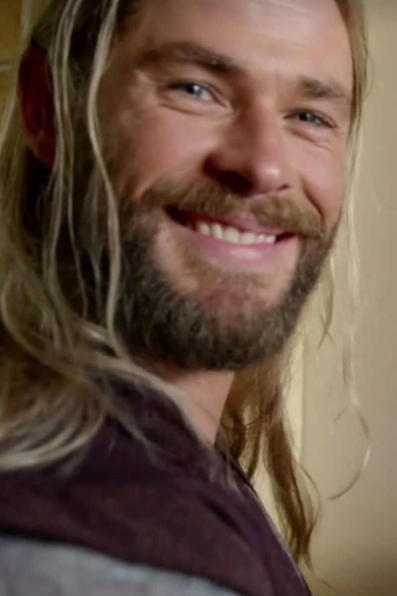 See What Thor Was Up To During Captain America: Civil War In This Hilarious Bonus Feature. Hilarious and Enlightening!!