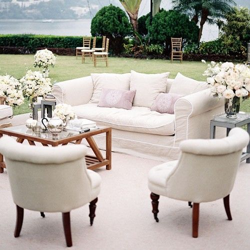 Outdoor Lounge Area With White Couches And Chairs Http Www Deerpearlflowers
