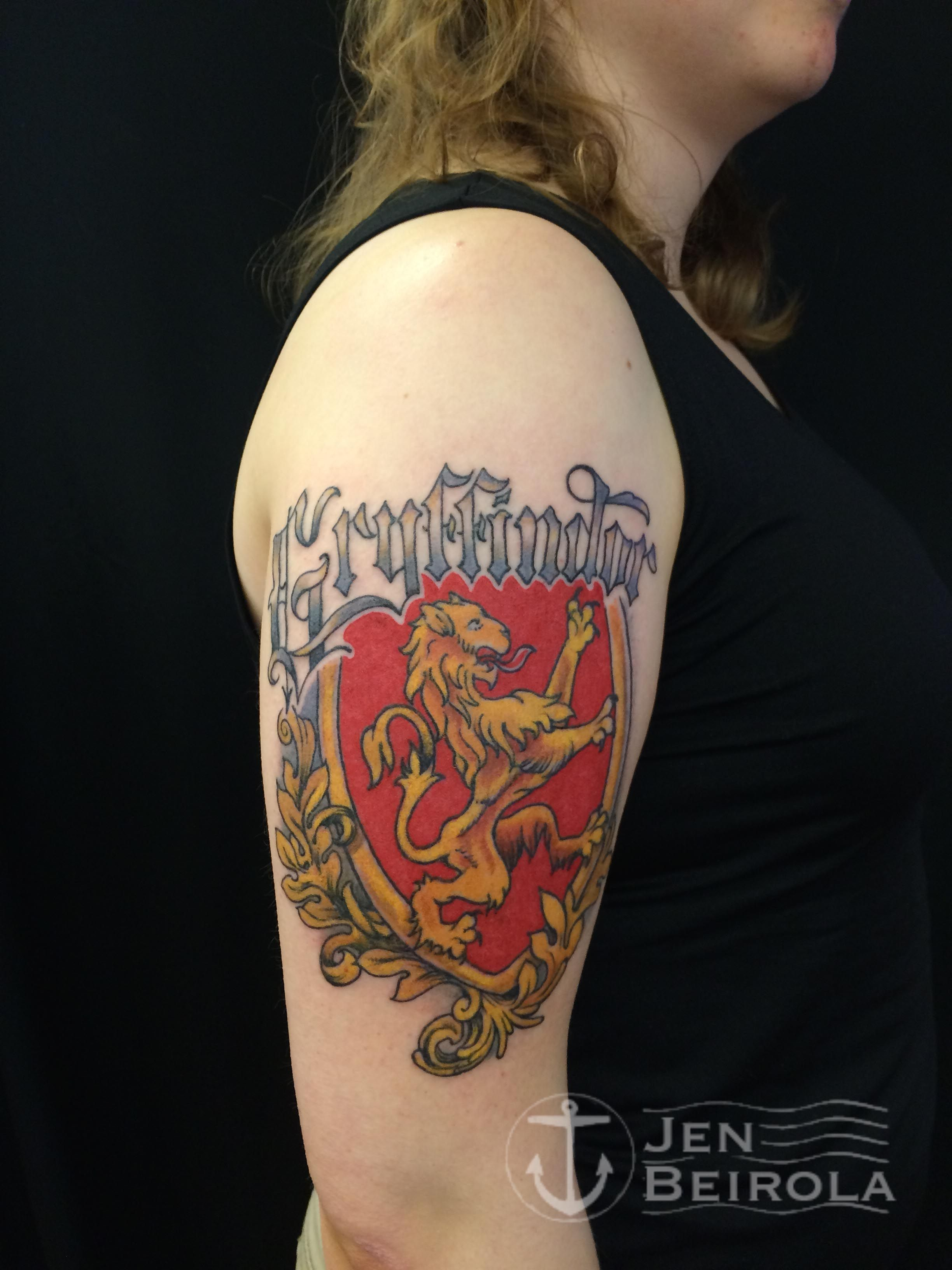 Amazing Gryffindor Coat Of Arms Tattoo Harry Potter Tattoos Tattoos Harry Potter Tattoo