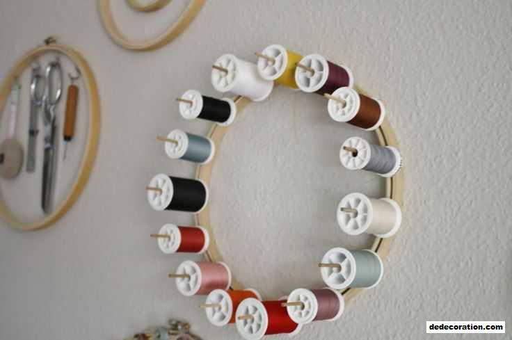 Fascinating Embroidery Hoop Craft Ideas - http://www.dedecoration.com/home-design-ideas/fascinating-embroidery-hoop-craft-ideas.html
