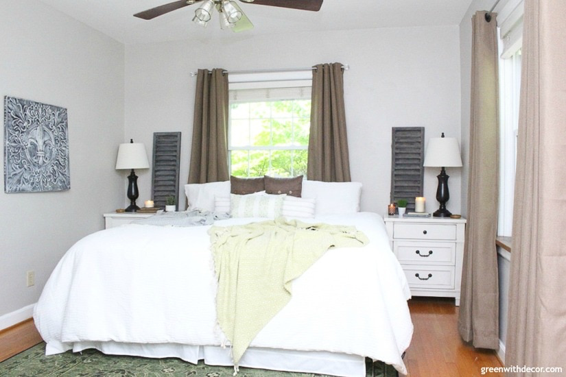Master Bedroom Colors: Best Paint Colors for Bedrooms - DIY Decor Mom #masterbedroompaintcolors