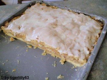"""Photo of Apfeldatschi """"Das ist noch ein altes Rezept von meiner Oma. Ein einfacher aber sehr leckerer Kuchen."""" – Rezept mit Bild"""