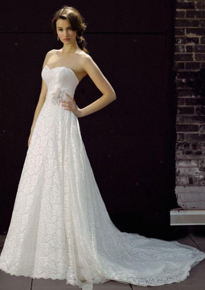 Vestidos de novia sencillos y modernos para una boda en verano ...
