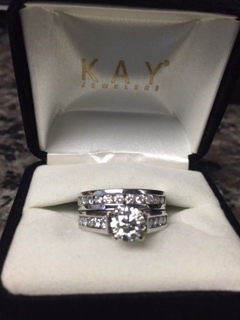 Kay Jewelers 14k White Gold 1 7 8 Ct Tw Women S Wedding Band Set 51 Off Retail Kay Jewelers Bridal Sets Unique Bridal Jewelry Wedding Band Sets