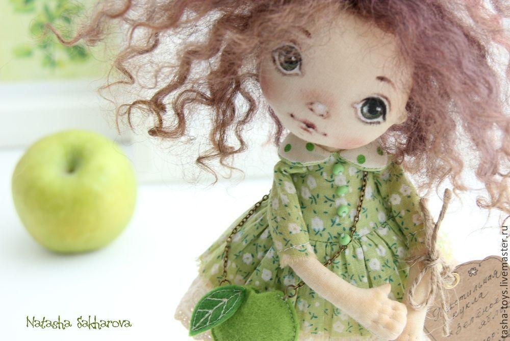 Купить Зеленое яблоко. - салатовый, зеленый, яблоко, подарок, кукла ручной работы, авторская кукла