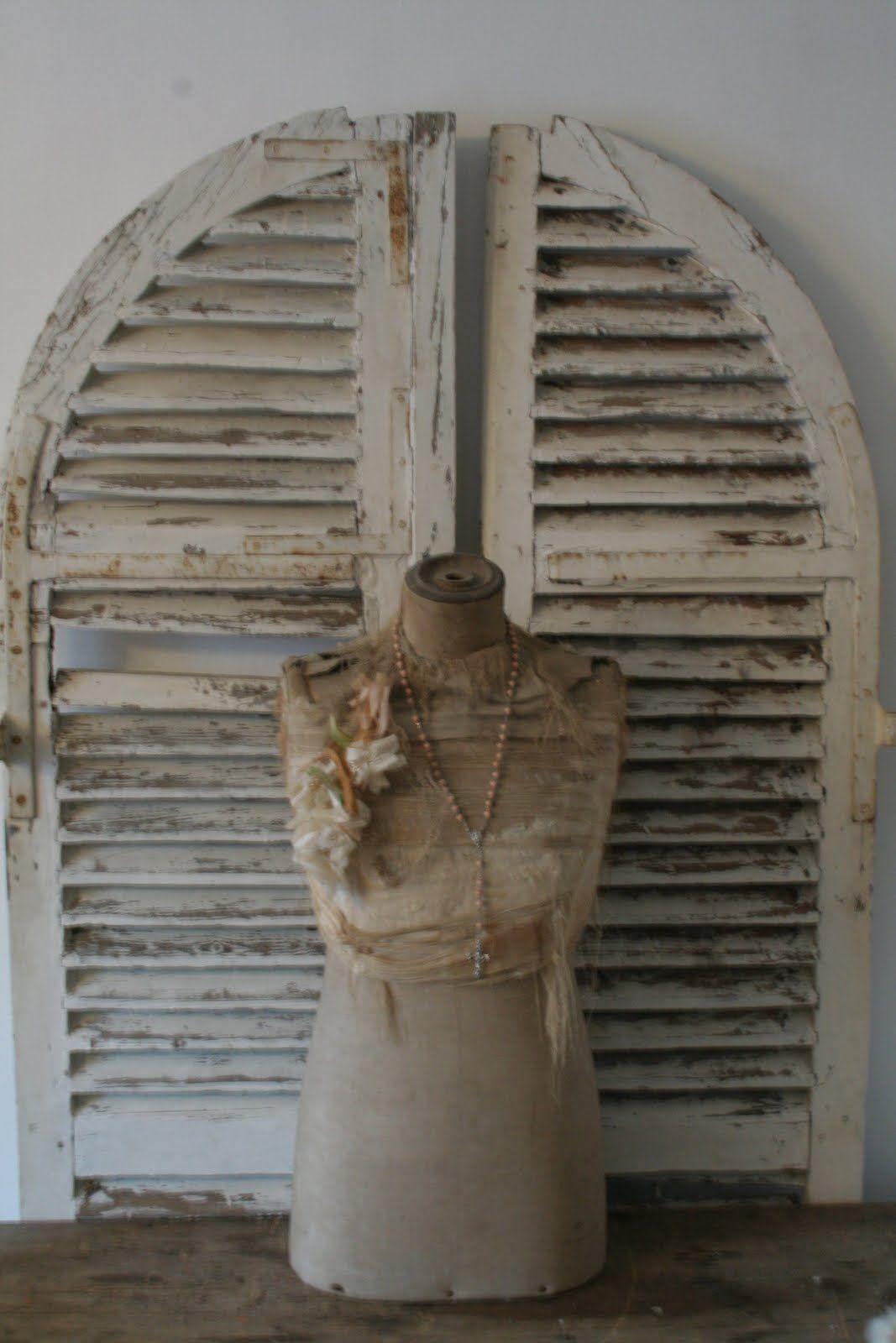 old mannequin