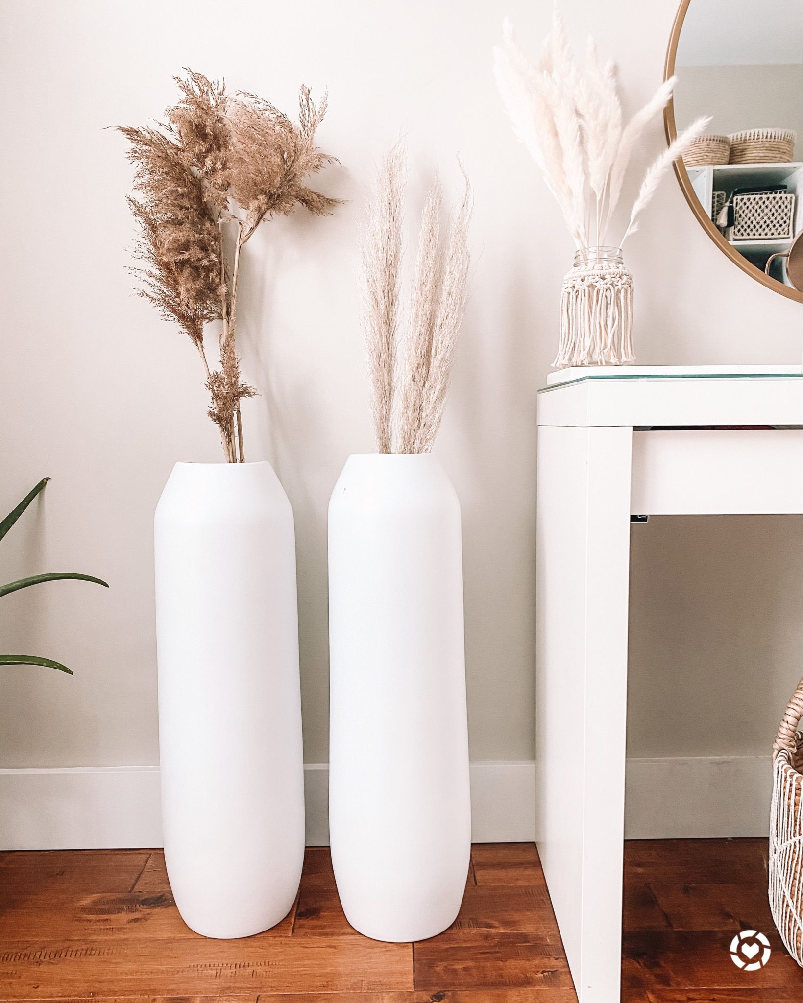 Pampas Grass Obsession These Affordable Floor Vases Are Perfect To Display It Large Floor Vase Floor Vase Ceramic Floor