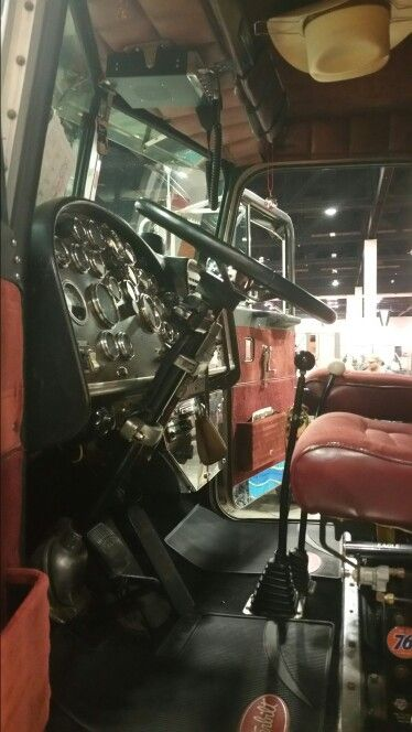 Corvette Dash And Twin Stick Peterbilt At The Peoria Truck Show 2017