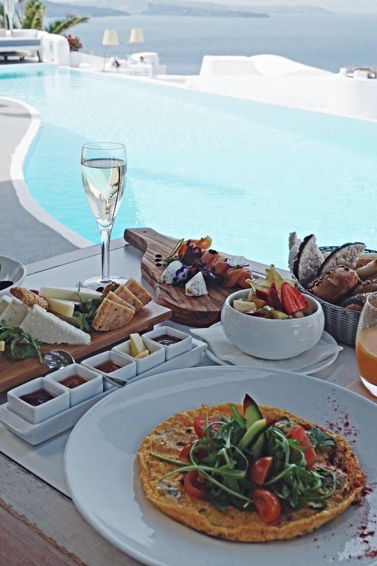 Breakfast Brunch Lunch In Santorini Greece Overlooking Infinity Luxury Pool At Hotel In Santorini Greec Hotel Breakfast Santorini Greece Oia Santorini Greece