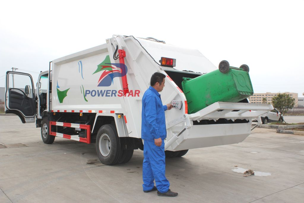 5tons 8tons Isuzu Elf Garbage Truck With Compactor For Sale Http Www Isuzutruckscn Com Isuzu Garbage Compactor Truck C37 Trucks Garbage Truck Compactor