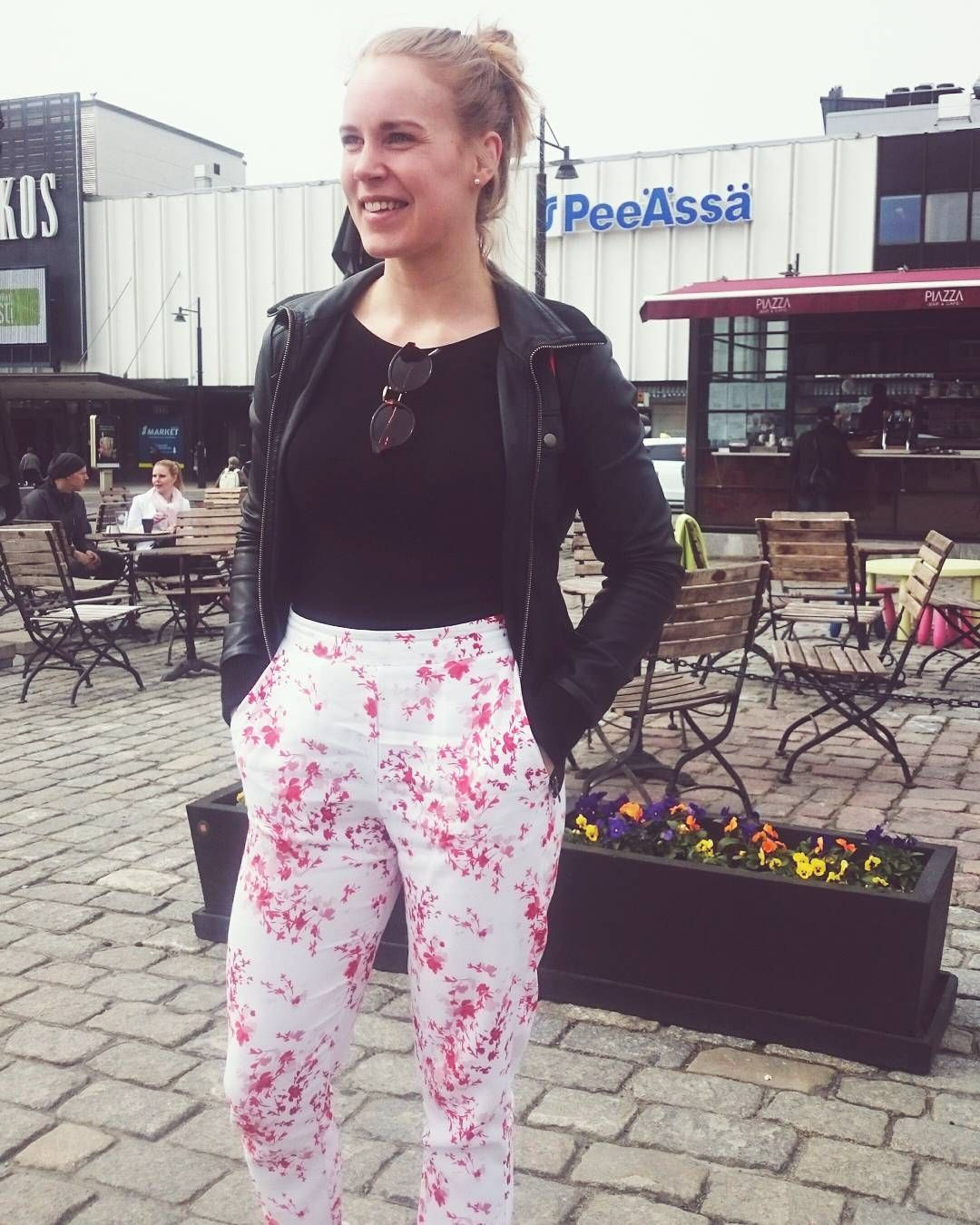 Lomalaisen on helppo hymyill�#photography #photo #kuopio #fun #fashion #outfit #happy #smile http://tipsrazzi.com/ipost/1523910712702762109/?code=BUmBLgcD3x9