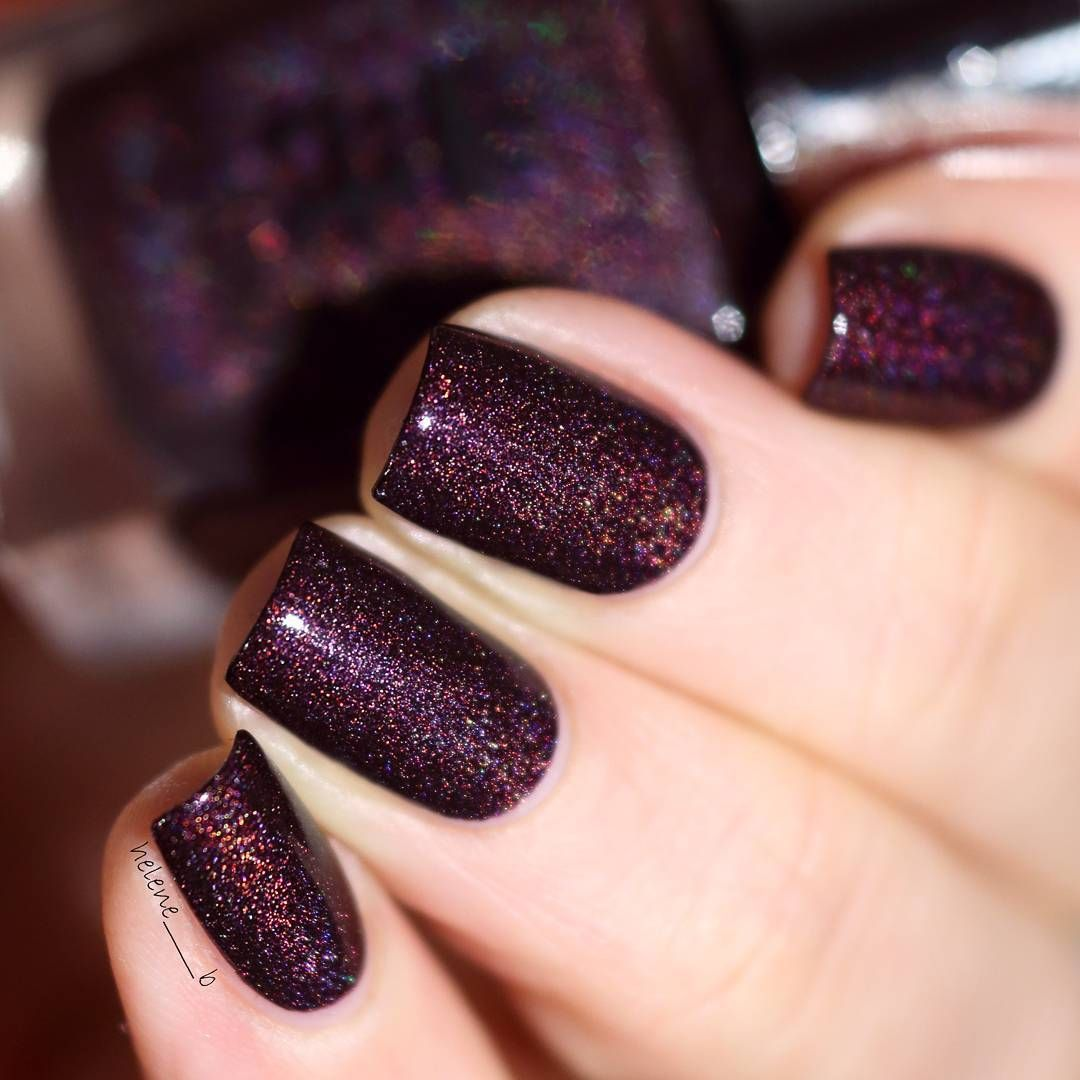 A England in \'Robe and Crown\' | dark purple holographic nail polish ...