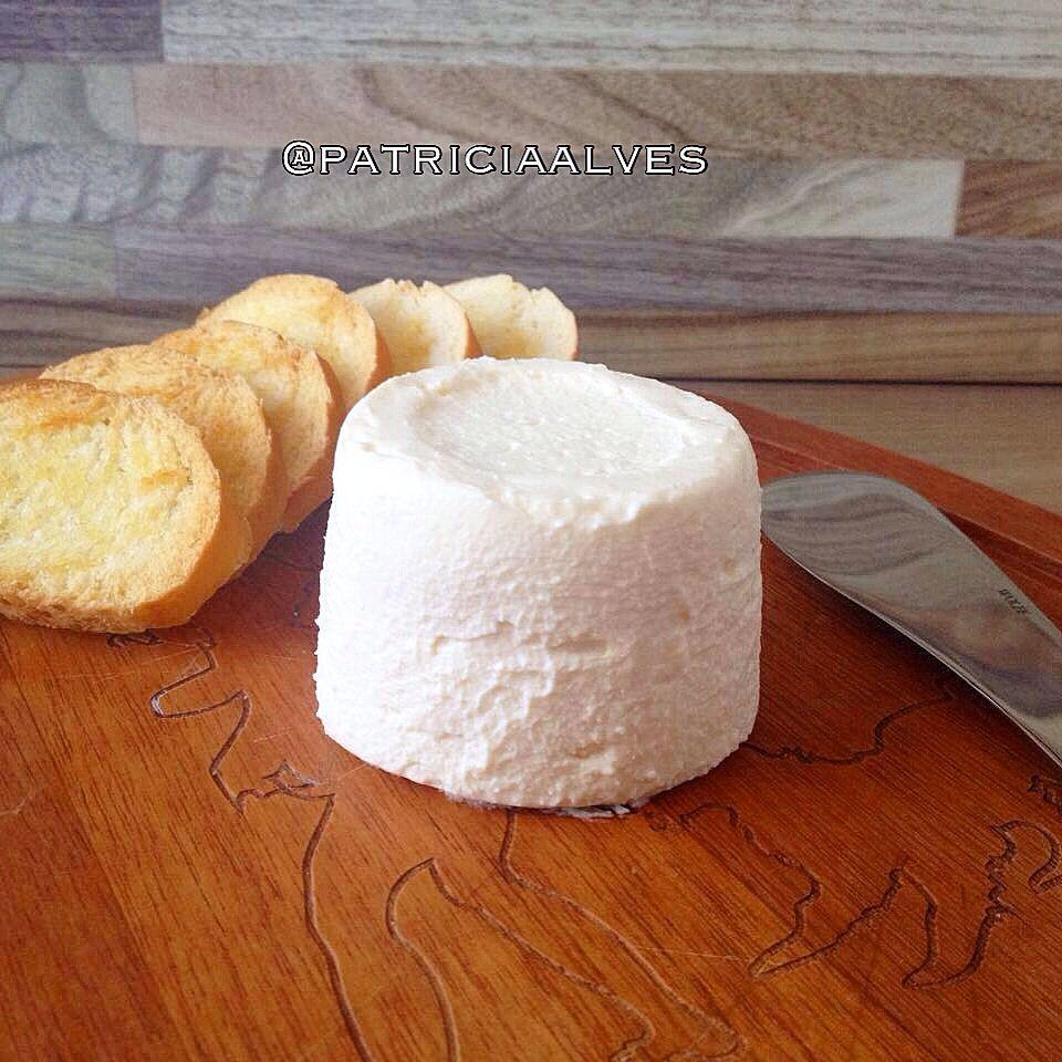 Queijo espirado no queijo minas. Delicia e muito cremoso.