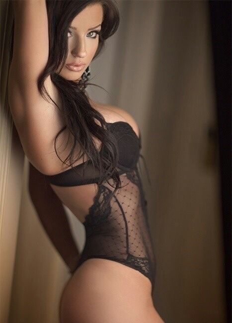 Hot body brunette