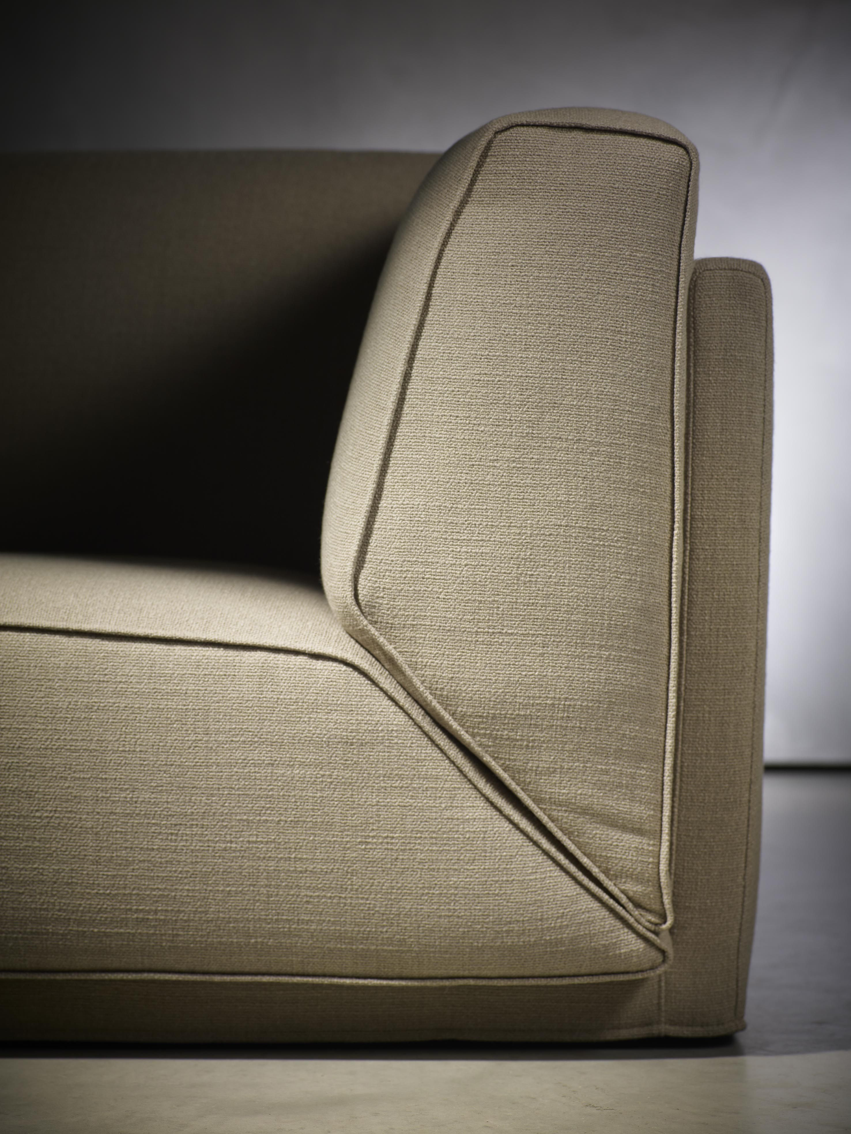 Piet Boon Styling by Karin Meyn | Piet Boon Collection furniture - DOUTZEN sofa close up