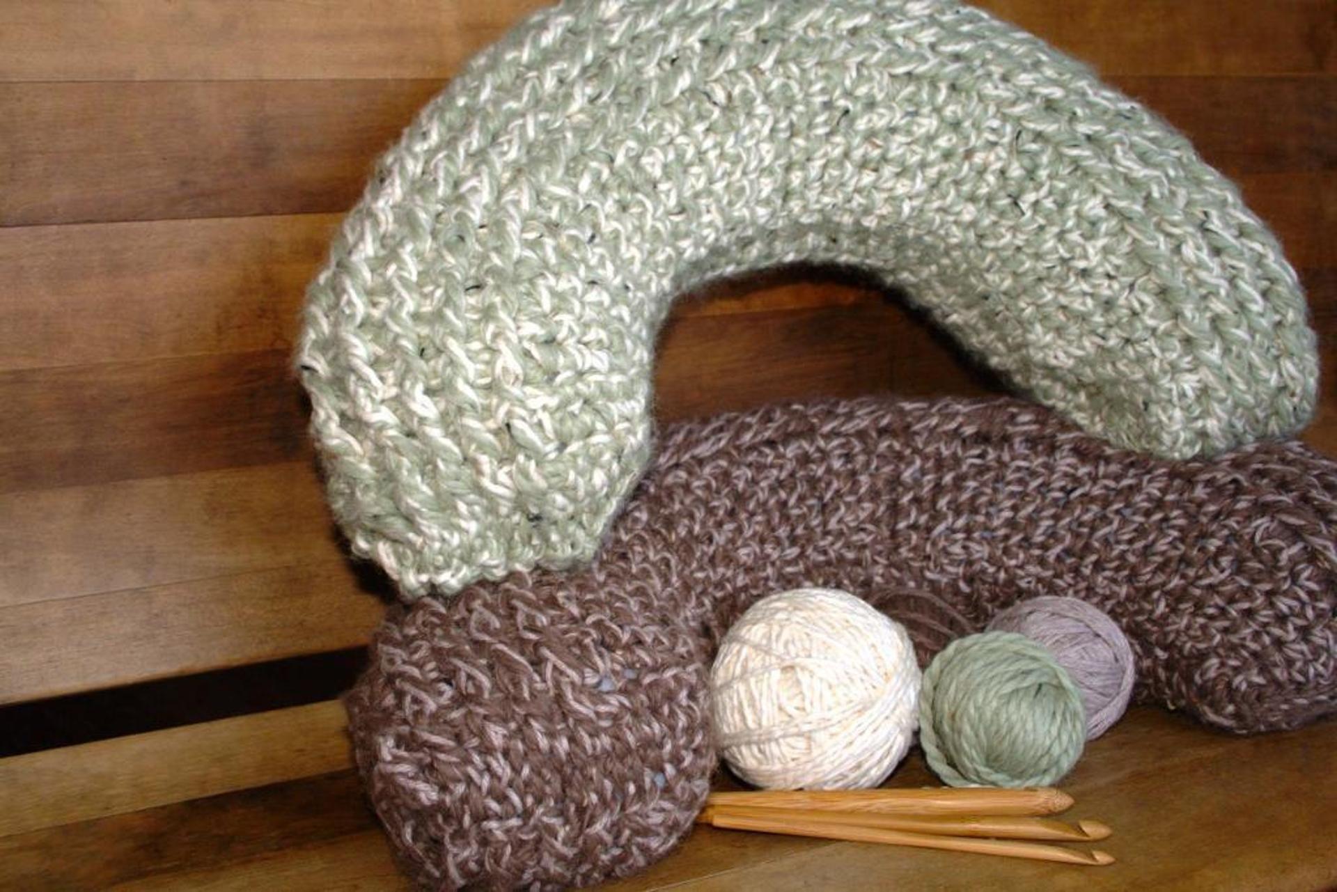 Get Comfier Than Ever With 8 Crochet Bolster Patterns | Neck pillow ...