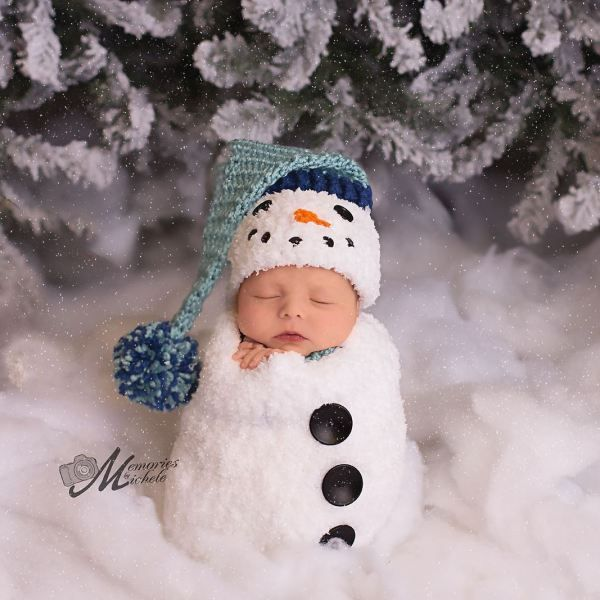 Crochet newborn baby boy snowman first christmas photo prop pattern by amkcrochet com
