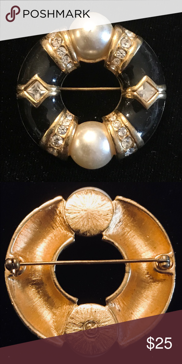 Authentic Swarovski Crystal Brooch A multi-colored Round Swarovski Crystal Brooch. Swarovski Jewelry Brooches