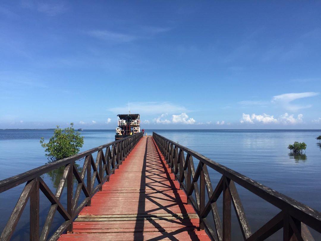 Cayo Levisa, Cuba.  #cayolevisa #cuba #island #travel #paradis #boat #backpacking #cubaisland Cayo Levisa, Cuba.  #cayolevisa #cuba #island #travel #paradis #boat #backpacking #cubaisland