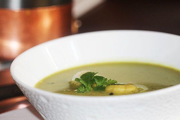 This is the best Mallagatawny soup I've ever eaten #mulligatawnysoup