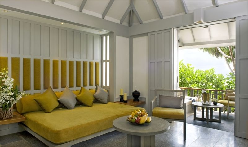 The living room - Beach Deluxe Suite @The Surin Phuket