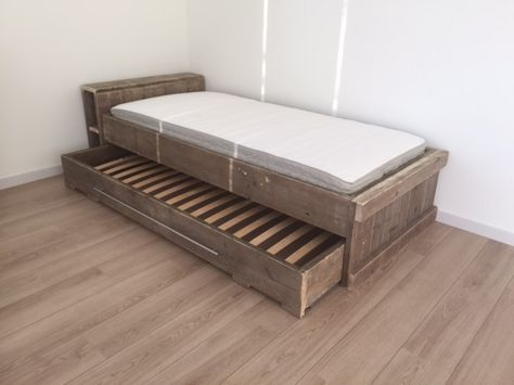 Steigerhouten bedden stapelbed of persoons bed van
