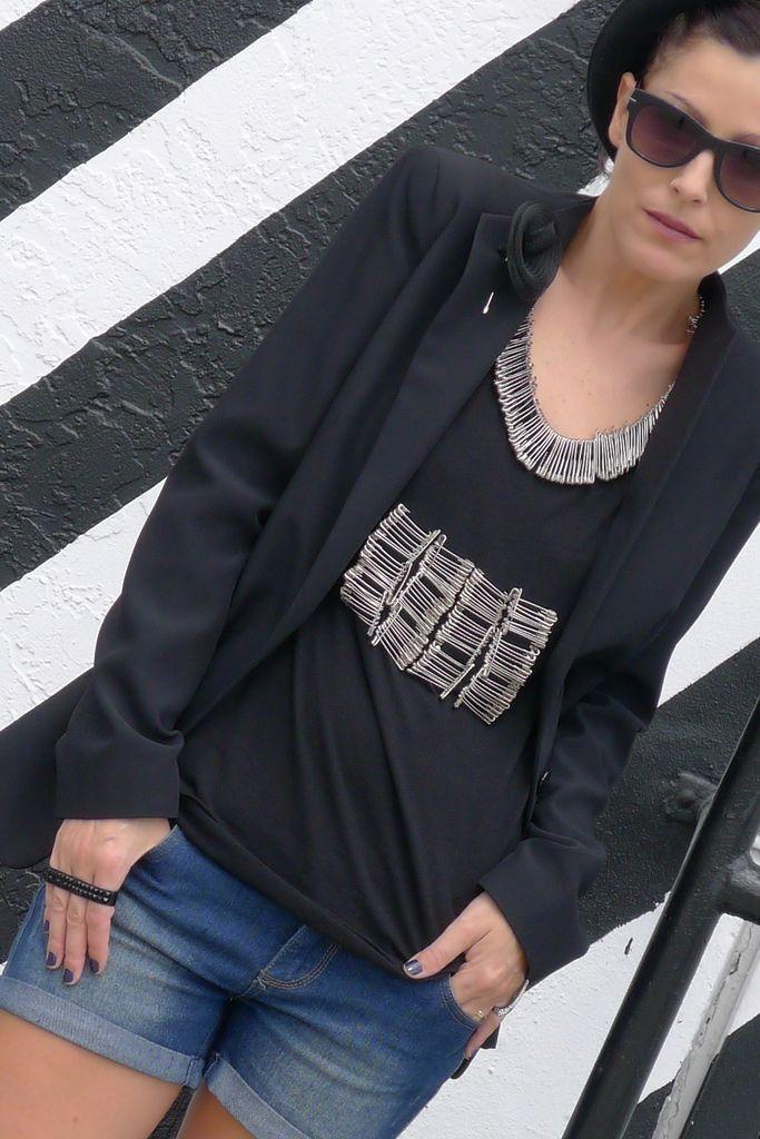 DIY INSPIRATIONAL IMAGE: Safety Pins T-Shirt...so cool, so ...