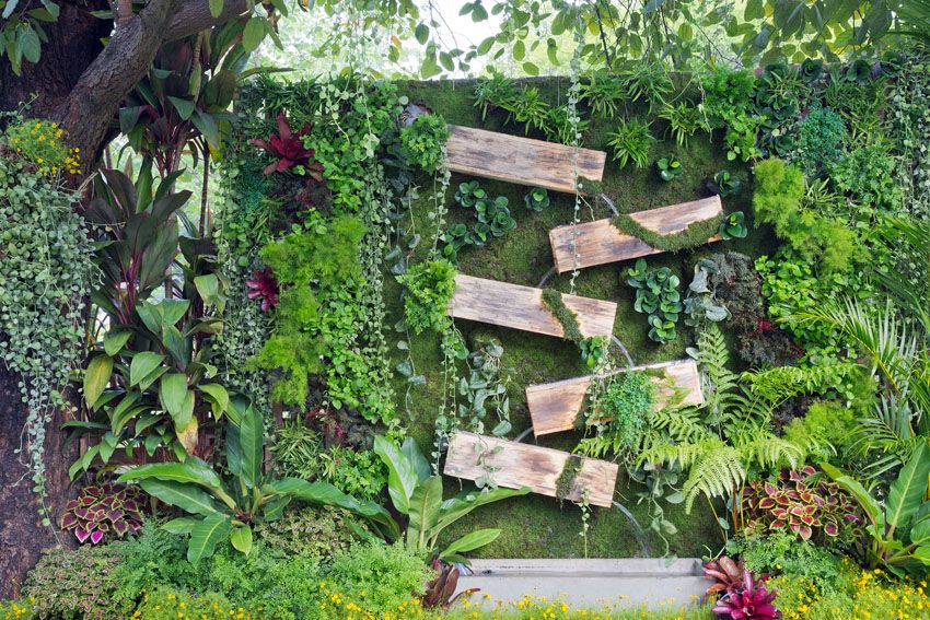 45 Beautiful Fence Planters (Decorate Your Garden Fence)