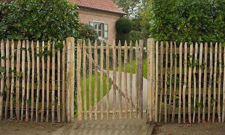 Clôture de jardin en Bois de Châtaignier | Extérieur | Pinterest ...