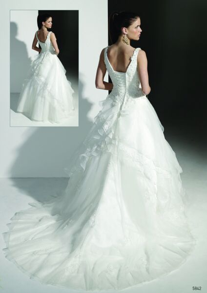 espectacular vestido de novia de nuestro #outletinnovias