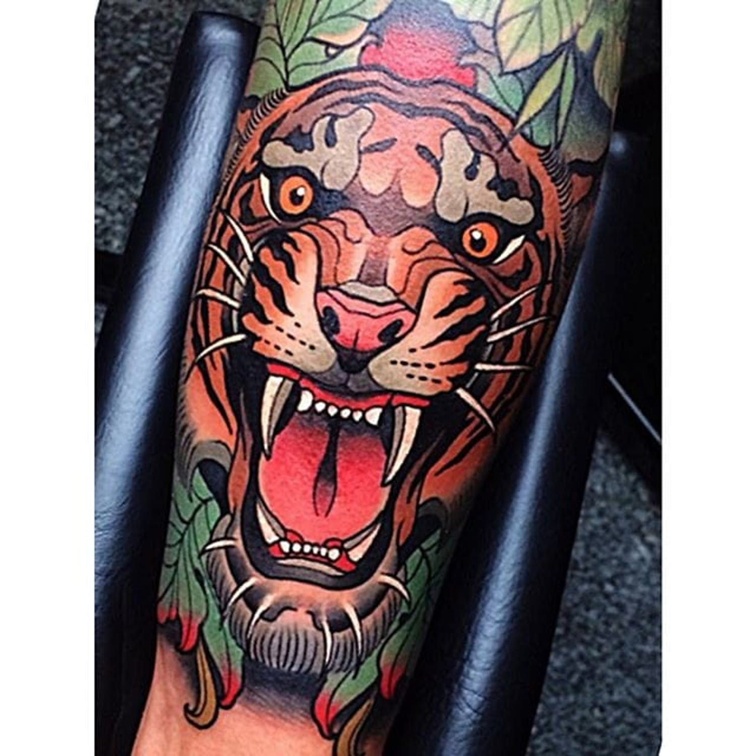 A Growling Tiger Johnnydomus Neotraditional Traditional Tiger Growl Traditional Tattoo Design Traditional Tiger Tattoo Tattoo Designs Men