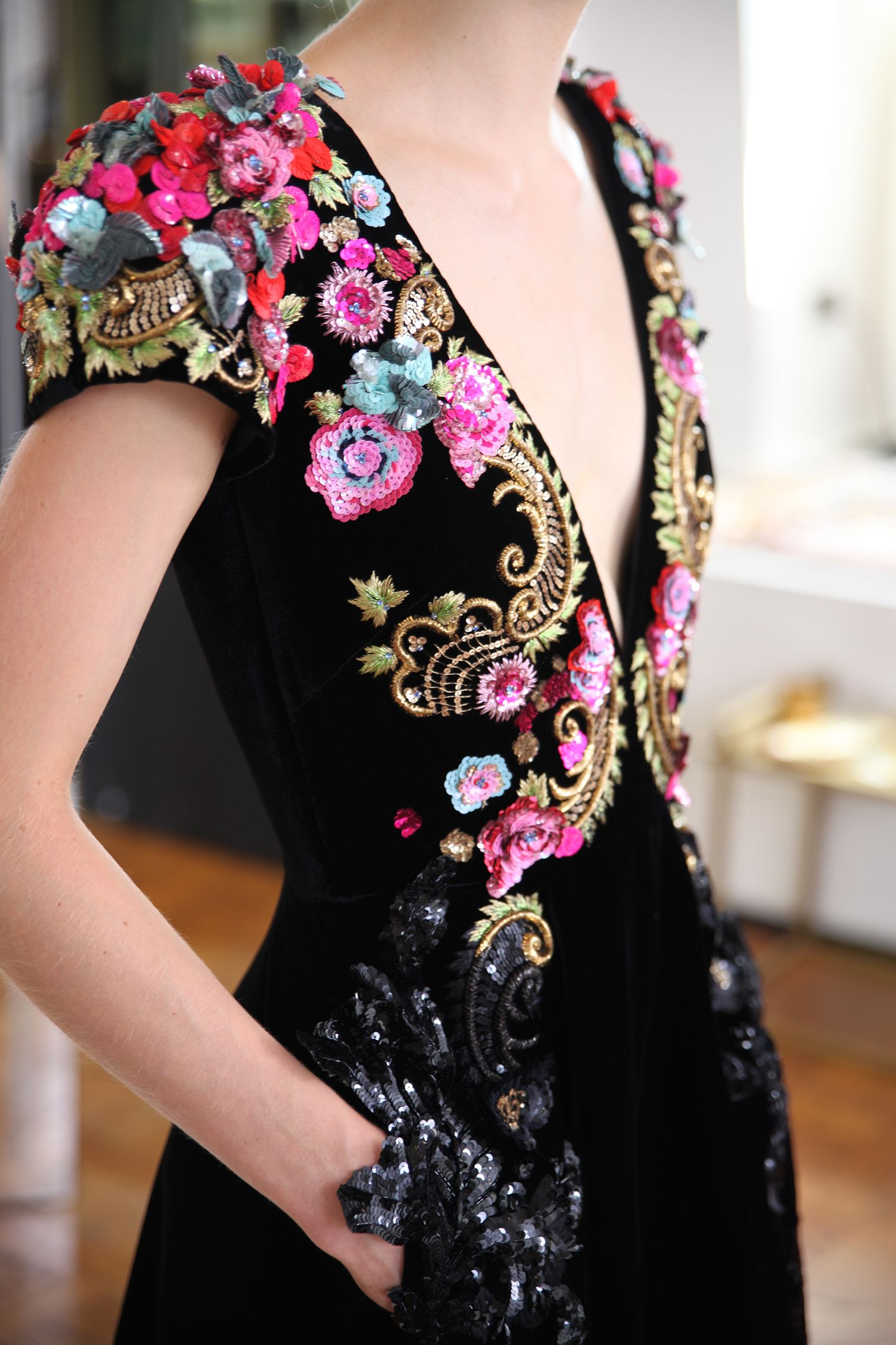 Schiaparelli: veja o making of da coleção de alta-costura de inverno 2016 - Vogue   News
