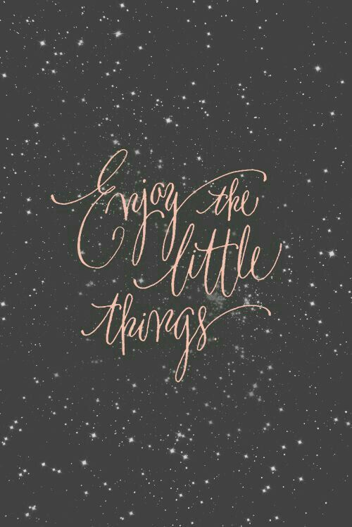 the little things that count the most in life Little things that count aren't selfish, materialistic and don't come with a report card the little things lie in our path everyday of every week of every month of every year, but so often we forget to see them.