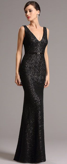 Floor length black sequin dress! Plunging neck, black sequin design and sheath figure will surely make you elegant and noble. Catch up with the new look with it.