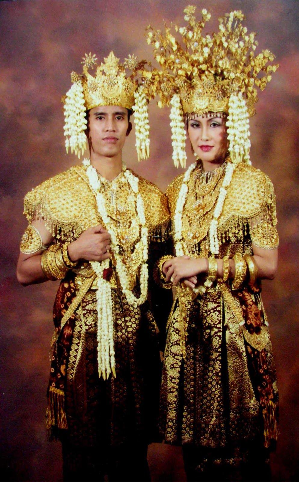 Gambar Pakaian Adat Sumatera