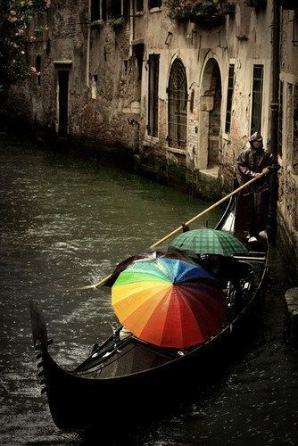 Gondola in Venice that's so picturesque it looks like a painting...