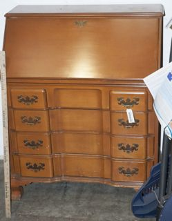 VINTAGE DROP FRONT MAPLE DESK BY JASPER CABINET COMPANY. FOUR DRAWER AND  WHEN DESK COMES