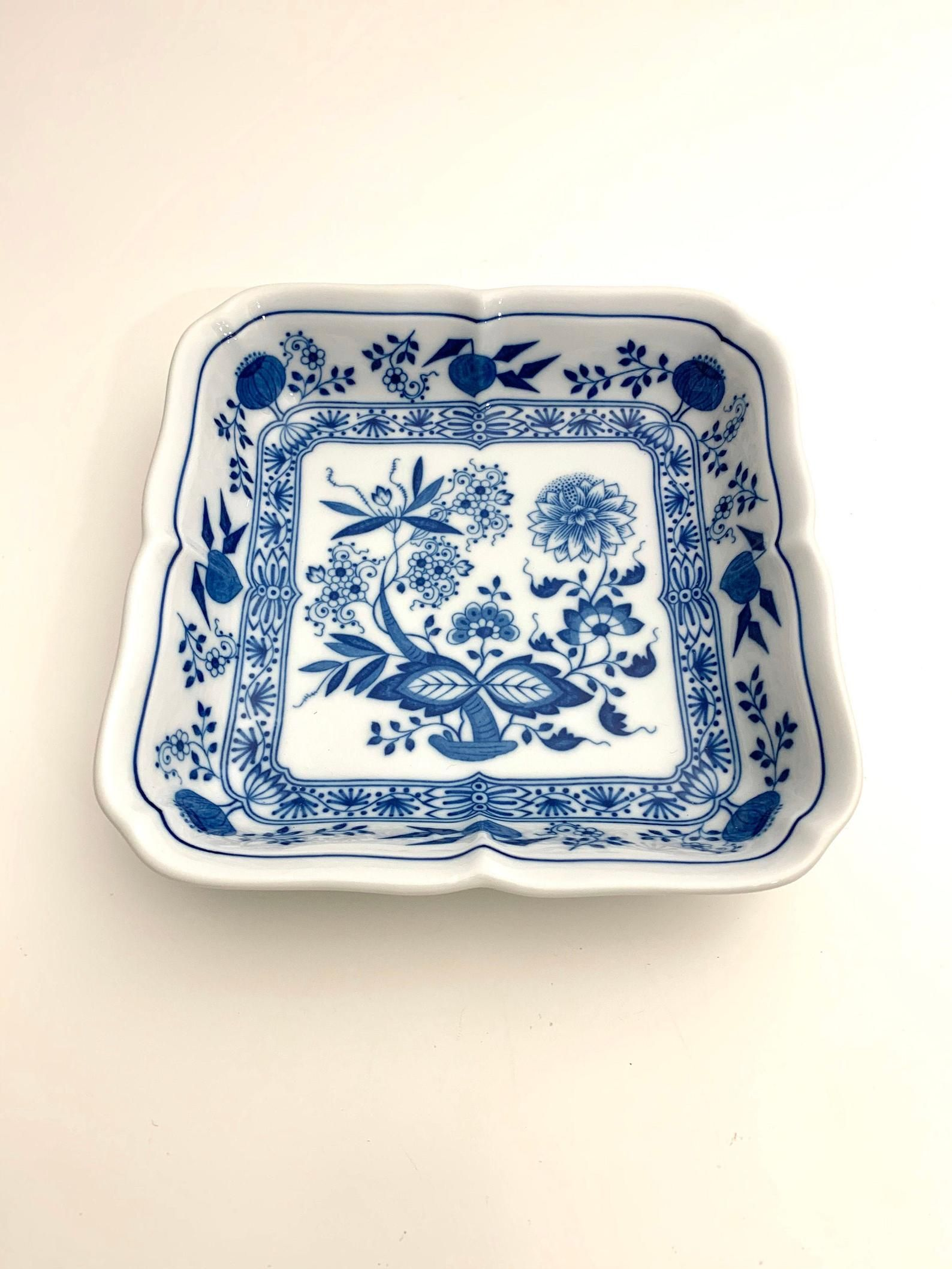 vintage blue onion square vegetable bowl plate dish white