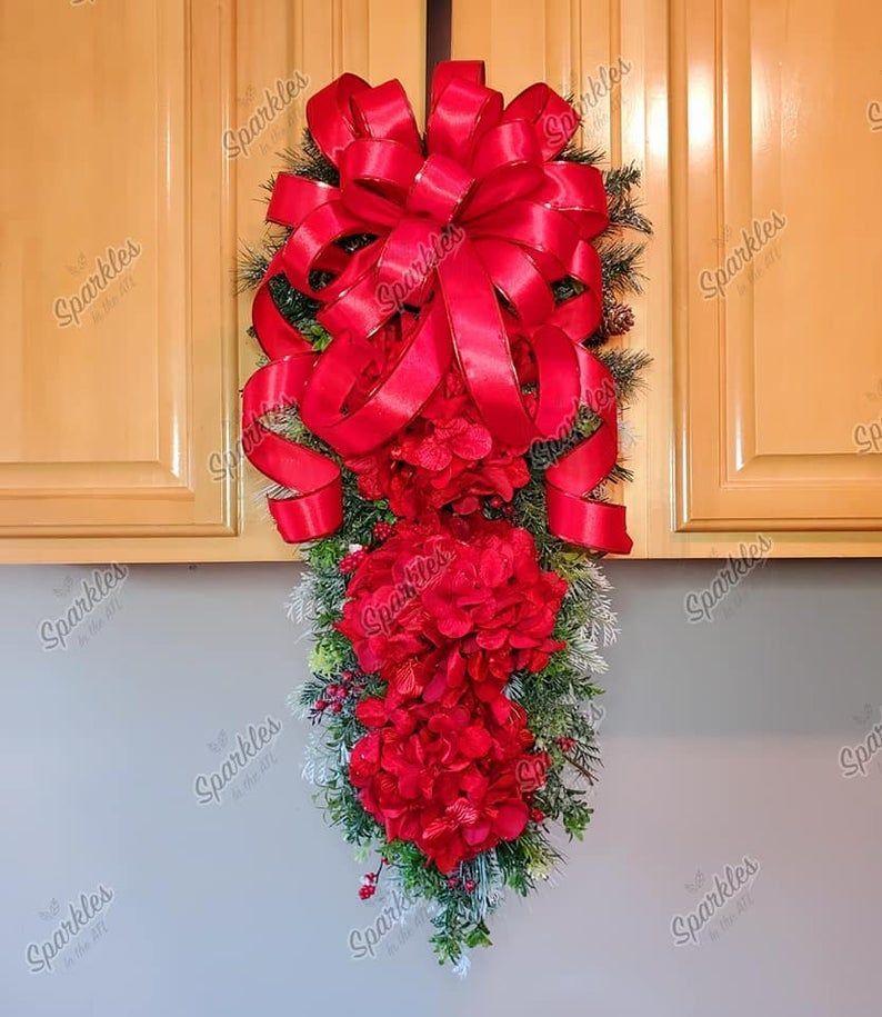 Red Hydrangea Wreath Winter wreath Valentine's Day Wreath Winter Swag Valentine'...#day #hydrangea #red #swag #valentine #valentines #winter #wreath