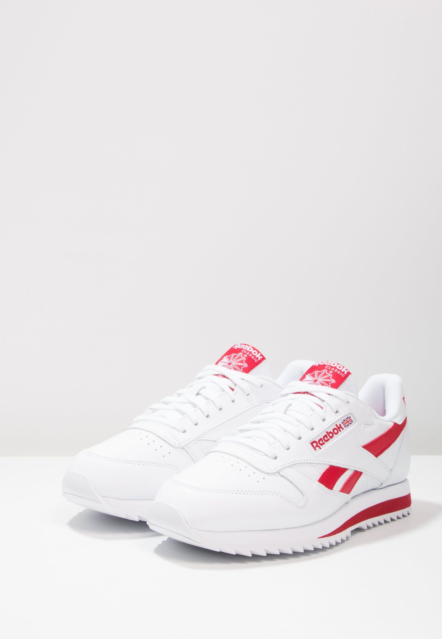 4316e4296 ... italy chaussures reebok classic cl leather ripple low bp baskets basses  white excellent red 3a651 8459f ...