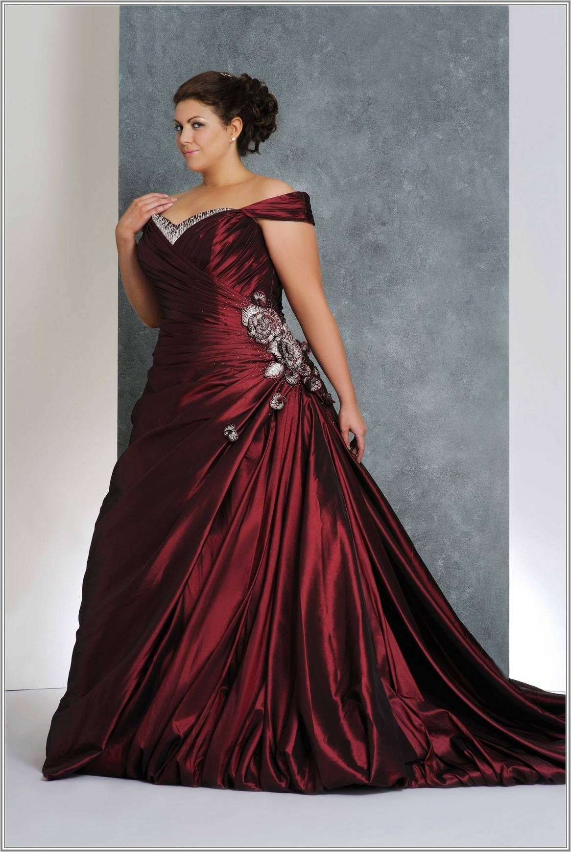 Wedding Make You Feel Like A Princess By Wearing Wedding Dresses With Bling Plus Size Wedd Red Wedding Dresses Wedding Dresses Plus Size Purple Wedding Dress