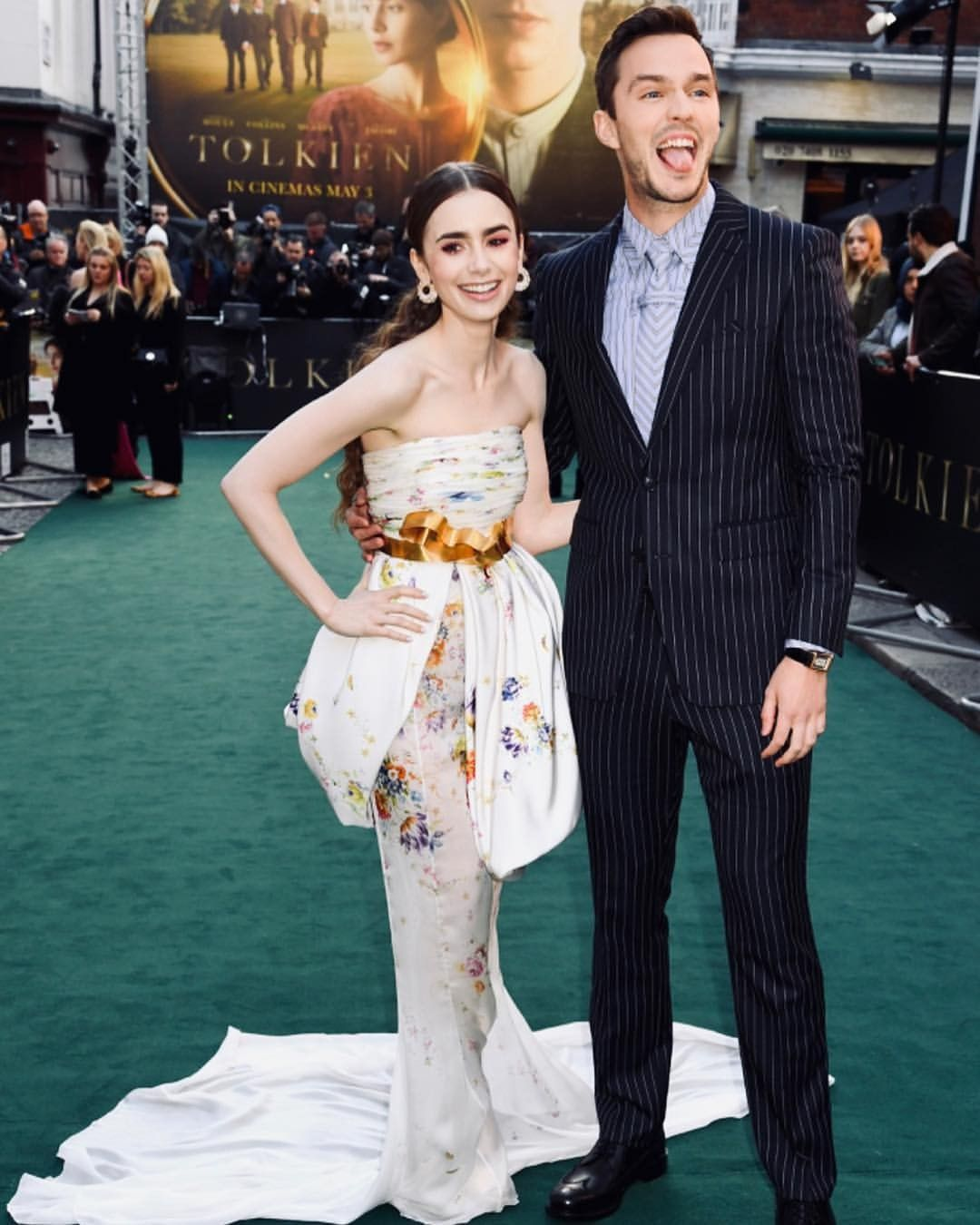 Pin by C Kas on Women's fashion | Lily collins dress, Lily ...