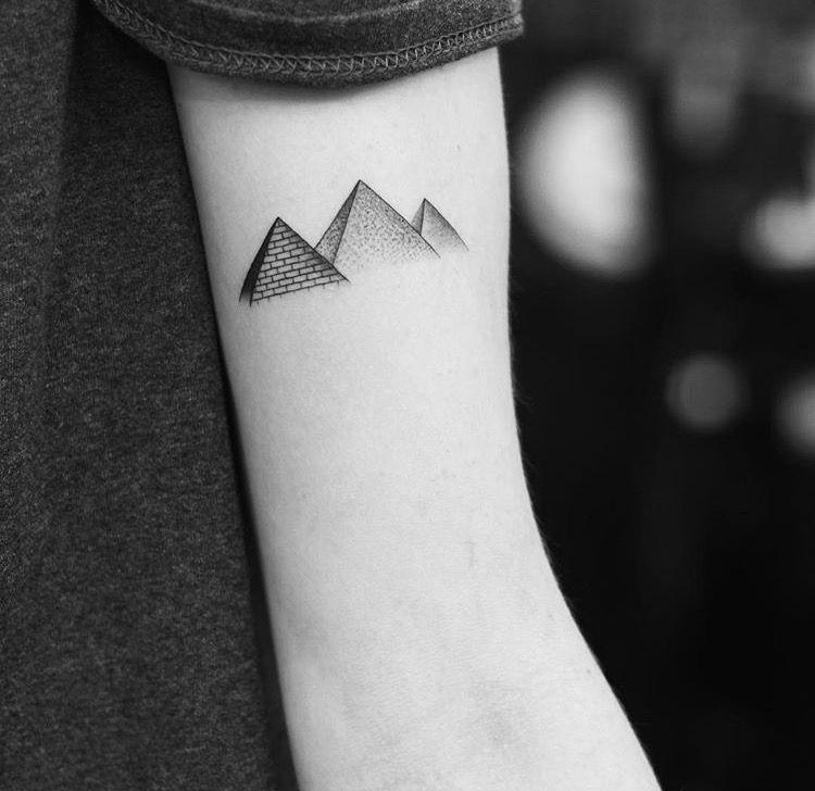 Pin De Jvb Em Tattoos Tatuagem Piramide Tatuagem Egito