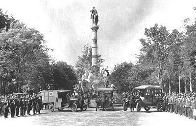 Estatua Miguel García Granados 1915